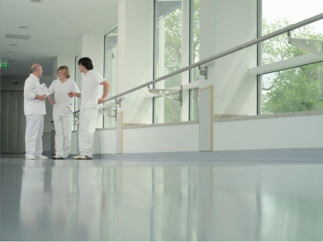 医療・介護病棟【常勤★平井駅】徒歩約5分で地元に愛される病院です