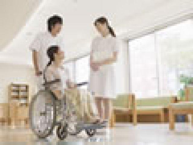 日勤帯のみ☆看護師3名で体制の整っている施設です!