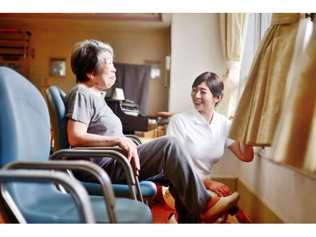 【西区有料老人ホーム】古江駅から徒歩5分!マイカー通勤OK!