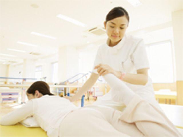 希少な施設内訪問看護求人*月給29万〜高給与!
