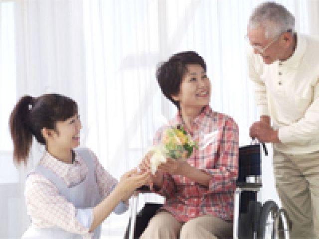 サービス付き高齢者向け住宅での募集